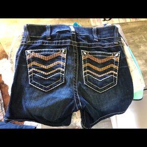 Arias women's shorts